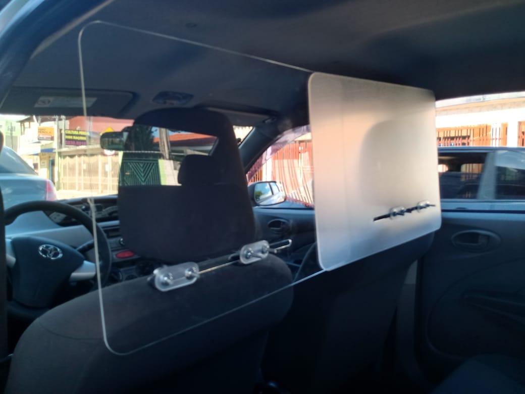 Proteção de acrílico para carro e veiculo
